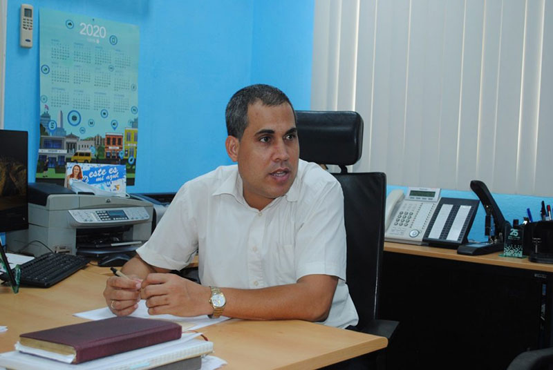 Ernesto Rodríguez Linares, jefe del departamento comercial y mercadotecnia en la provincia / Fotos: Humberto Lister