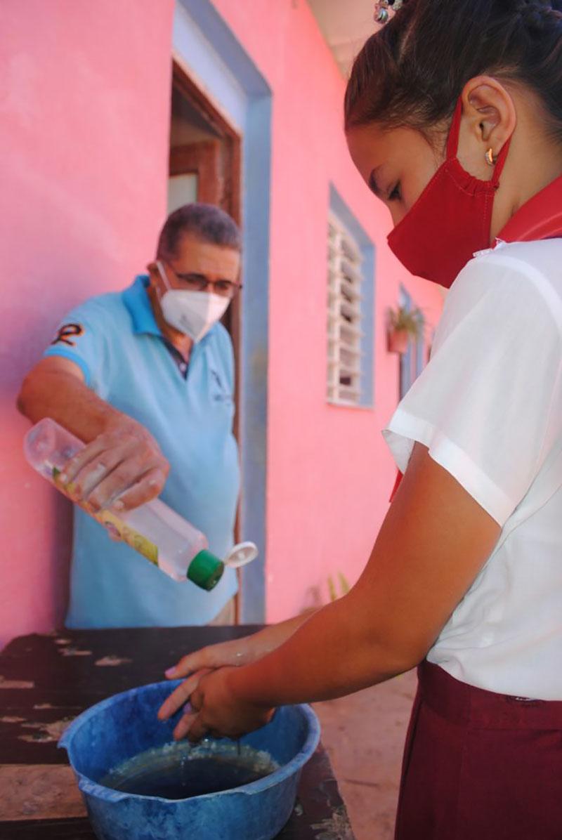 Aprender cómo protegerse del coronavirus es otra lección muy importante / Foto: Humberto Lister